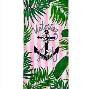 🌸 Victoria's Secret Beach Towel
